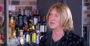 """Joe Elliott Says Releasing New Def Leppard Music Is """"Not That Important"""" Anymore"""