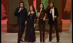 Relive The Time Johnny Cash And Kris Kristofferson Joined Their Wives On Stage