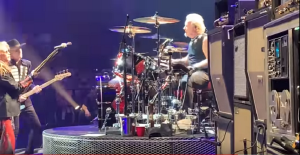 Watch Joey Kramer Reunite With Aerosmith For Las Vegas Residency