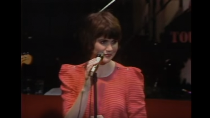 "Relive Linda Ronstadt's 1980 Performance Of ""Just One Look"" 