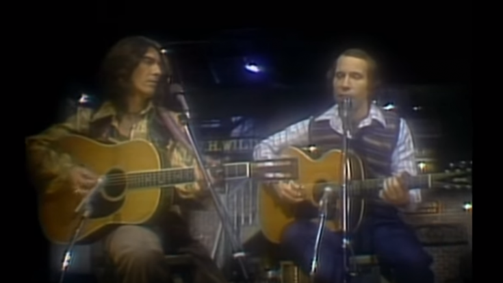 "1976: Paul Simon & George Harrison Perform ""Homeward Bound"" 