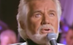 """Remembering Kenny Rogers: """"You Are So Beautiful"""" Live On Stage"""