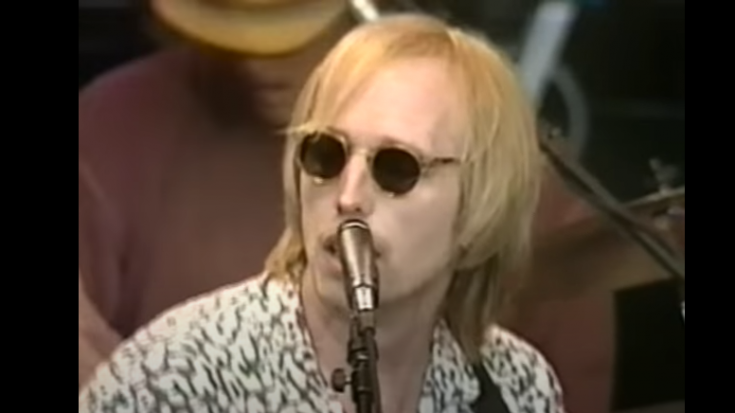 """Relive 1994 """"Runnin' Down A Dream"""" Performance Of Tom Petty & the Heartbreakers"""