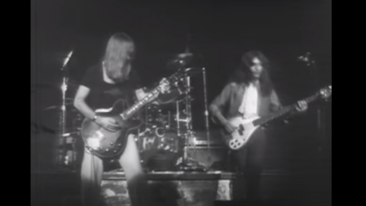"""Go Back To December 1976 When Rush Performed """"Fly By Night"""" In Capitol Theatre, NJ"""