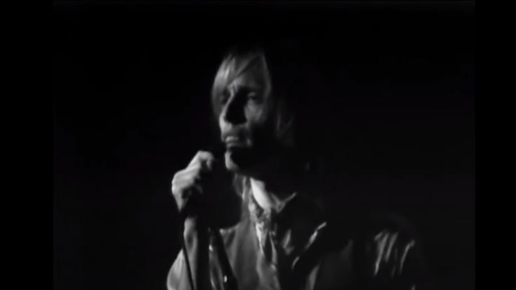 """Watch Tom Petty Perform """"Dark End Of The Street"""" In California 1978"""