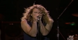 """Watch Jimmy Page & Robert Plant In A 1995 Live Performance Of """"Shake My Tree"""""""