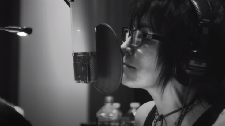 "Joan Jett Covers ""Jeepster"" From T.Rex – Watch 