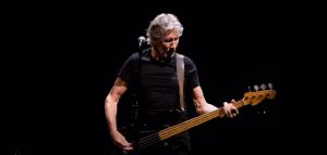 "Roger Water Streams 2018 Performance Of Pink Floyd's ""Money"""