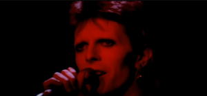 """Watch David Bowie Perform """"Rock 'N' Roll Suicide"""" Live Back in 1973"""
