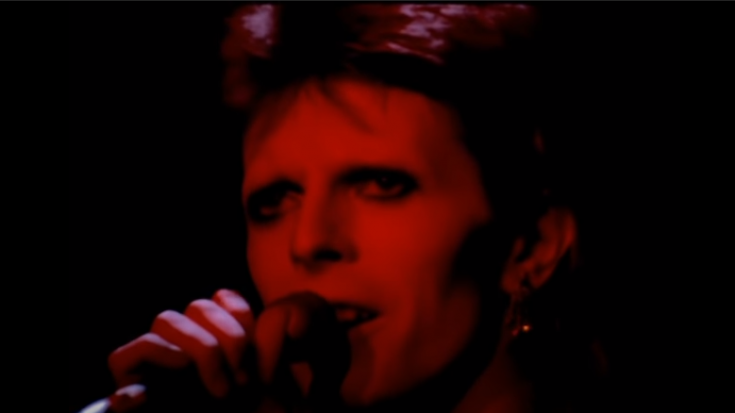 "Watch David Bowie Perform ""Rock 'N' Roll Suicide"" Live Back in 1973"