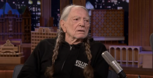 "Willie Nelson Gives Out A ""Truckload"" Of Free Weed At Live Shows"