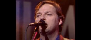 "1984: David Gilmour ""Until We Sleep"" Live In UK – Watch"