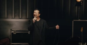 "Steve Perry Announces Acoustic Version Of ""Traces"""