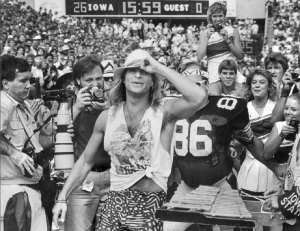 That Time David Lee Roth Surprised A Halftime Show In 1986