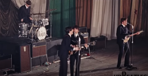 "The Story Behind ""She Loves You"" By The Beatles"