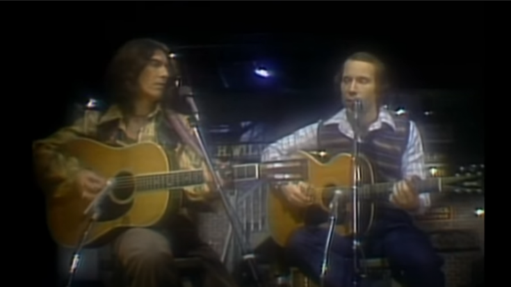 1976: Paul Simon & George Harrison Perform 'Homeward Bound' In SNL | Society Of Rock Videos