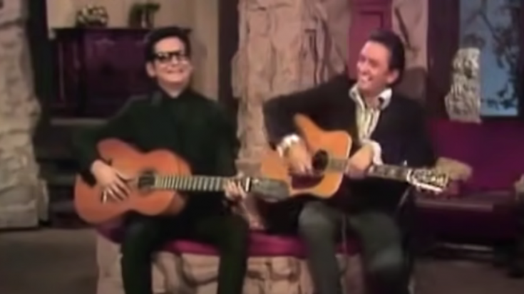 "Roy Orbison & Johnny Cash Perform ""Oh, Pretty Woman"" In 1969 