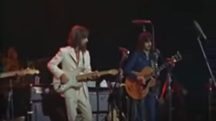George Harrison & Eric Clapton Perform 'While My Guitar Gently Weeps' Back In 1971 | Society Of Rock Videos