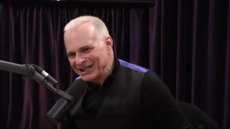 David Lee Roth Shares Why He Think Van Halen Is Different With Sammy