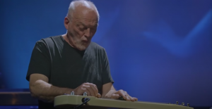 Watch David Gilmour's Cover Of 'Albatross' By Fleetwood Mac