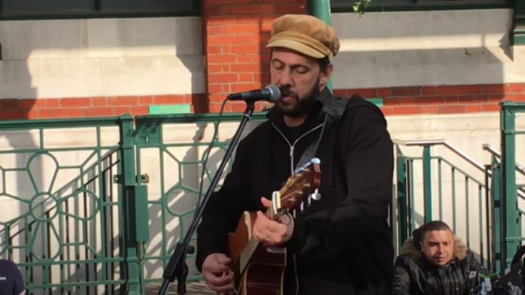 Busker Gives Magic To London Streets With 'While My Guitar Gently Weeps' | Society Of Rock Videos