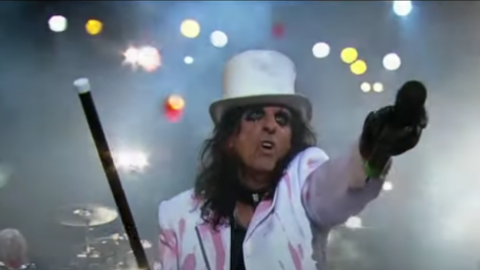 Alice Cooper's Manager Denied Managing The Beatles – Here's Why | Society Of Rock Videos