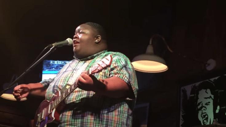 """Kingfish"" Ingram plays Jimi Hendrix's ""Hey Joe"" With Surprise Intro"