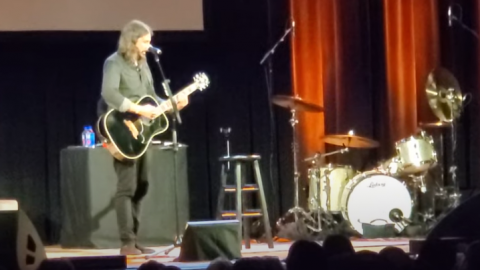 Dave Grohl Rock Out In Book Event With Nirvana x Foo Fighters Classics | Society Of Rock Videos